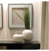 Vaso cerâmica branco fosco com relevo